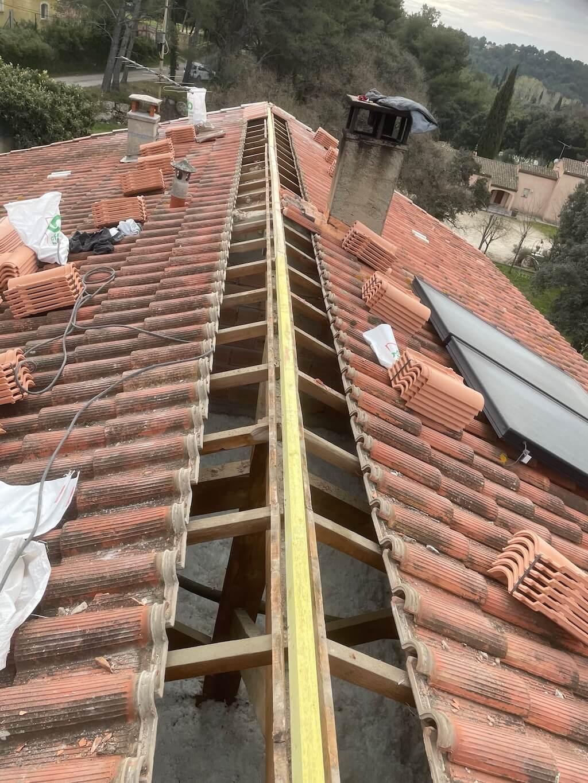 Toiture avant rénovation par Etude Conseil Habitat