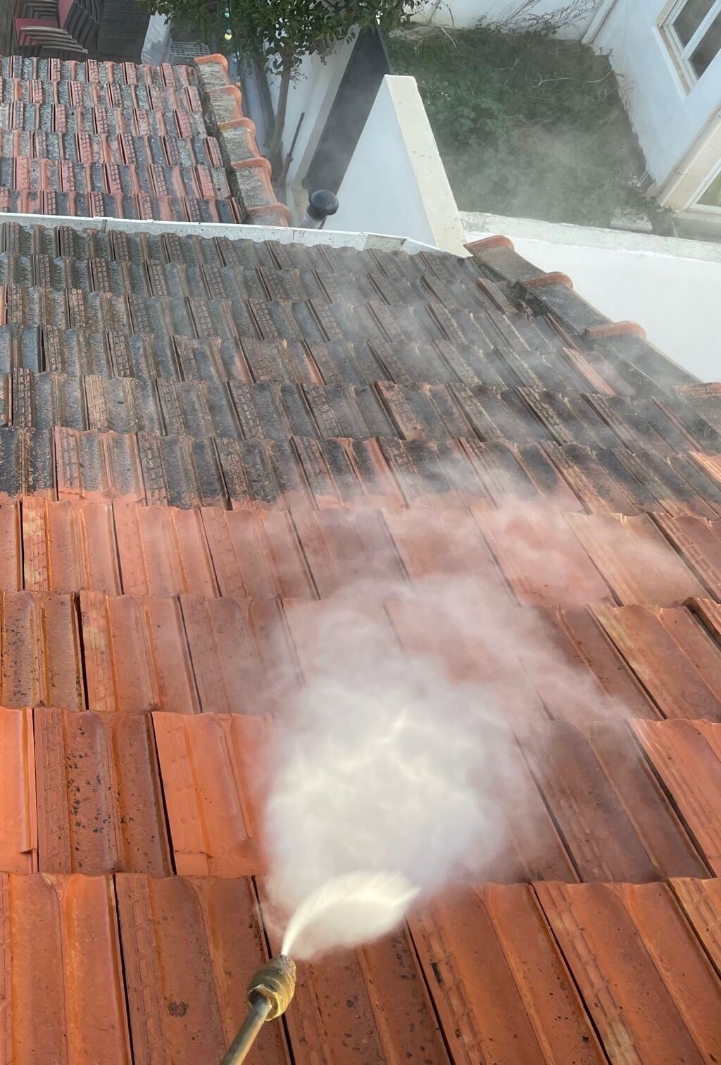 nettoyage d'une toiture par Etude Conseil Habitat